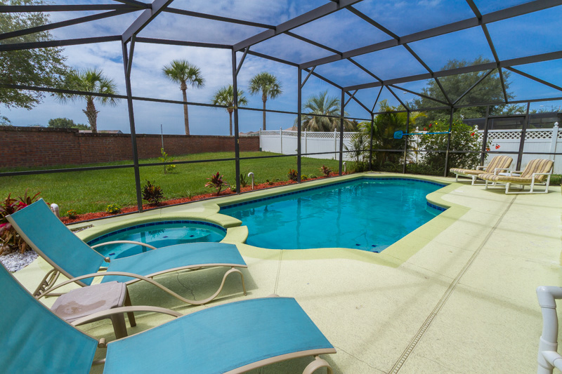 SPA AND POOL DECK